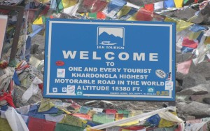 Khardungla Welcome board
